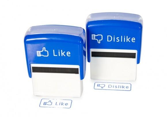 stampile_like_dislike_facebook_stamp-nou.950x670-adaptive
